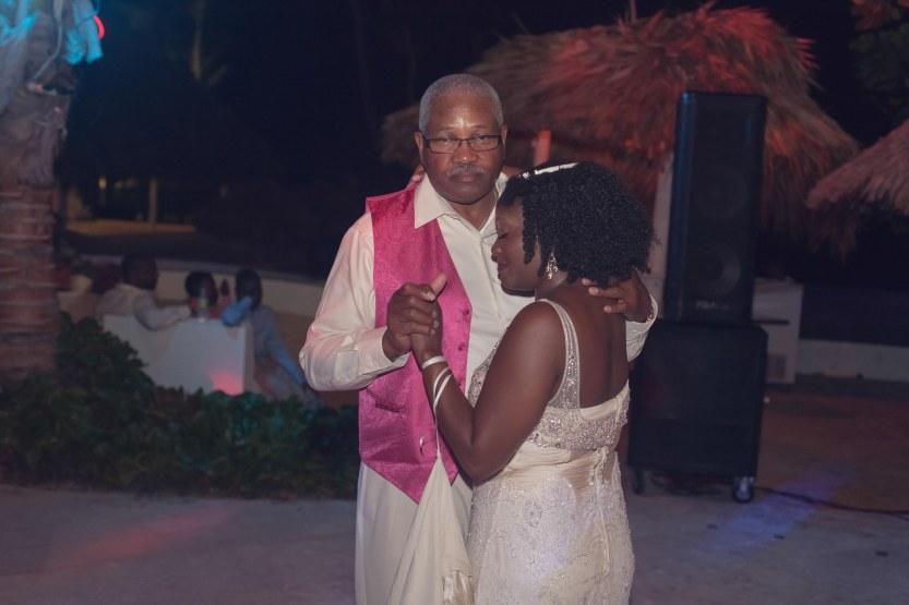 Wedding-Photography-Punta-Cana-Ambrogetti-Ameztoy-Photo-Studio-Kukua-Beach-Club (171 of 193)