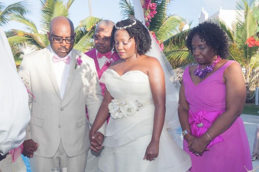 Wedding-Photography-Punta-Cana-Ambrogetti-Ameztoy-Photo-Studio-Kukua-Beach-Club (87 of 193)