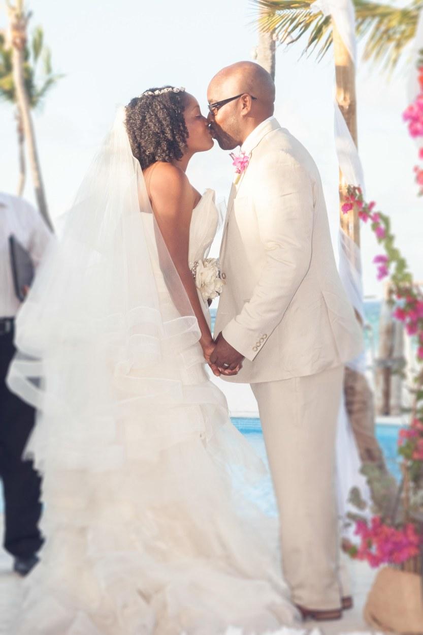 Wedding-Photography-Punta-Cana-Ambrogetti-Ameztoy-Photo-Studio-Kukua-Beach-Club (88 of 193)