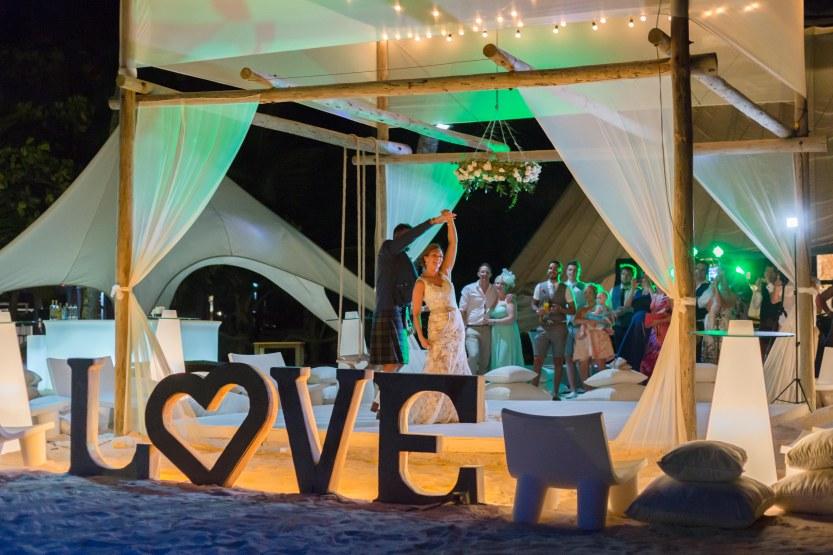 Wedding Photography Punta Cana Ambrogetti Ameztoy Martin Sebastian Jellyfish-126